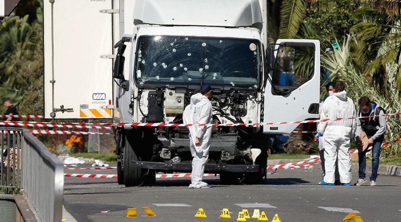 """Francuska policija: Napadač iz Nice bio """"sitni kriminalac"""""""