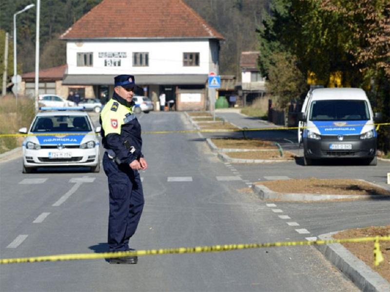 Gradiška: Slupali kafić i devet automobila