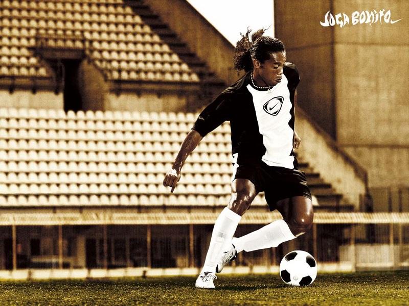 Ronaldinjo briljira i na malom fudbalu (VIDEO)