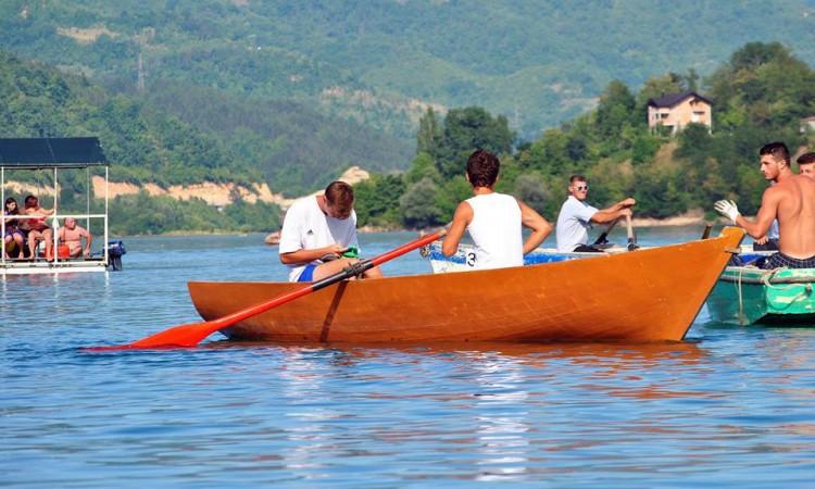 """Tradicionalni """"Veslački maraton"""" na Jablaničkom jezeru 30. jula"""