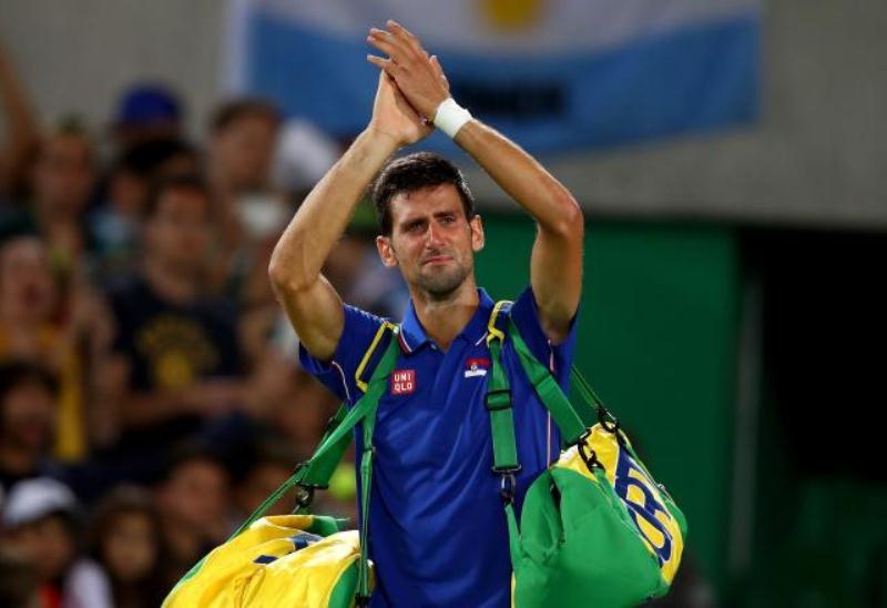 Novak stao na startu, u suzama napustio teren