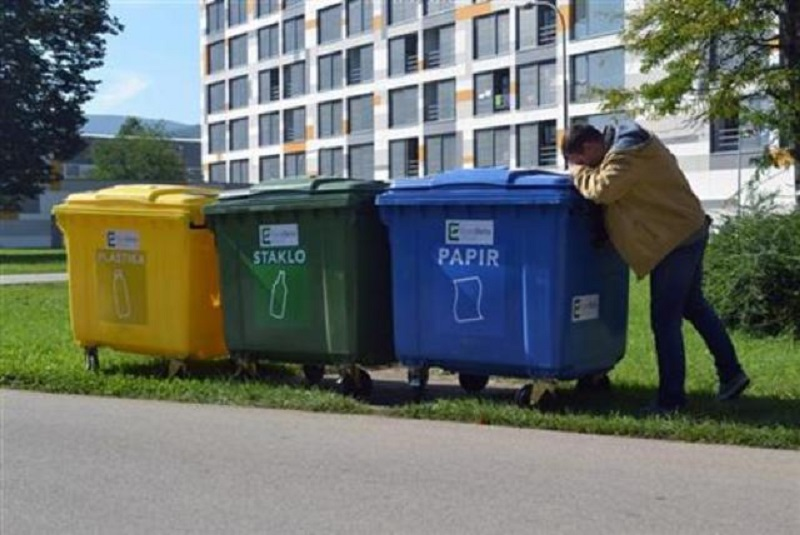Kampus dobio kontejnere za razdvajanje otpada