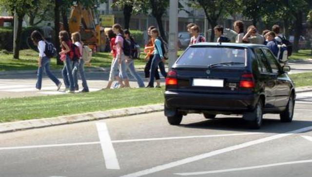 Zabrinjavajući trend u Banjaluci: Punim gasom pored škola i vrtića
