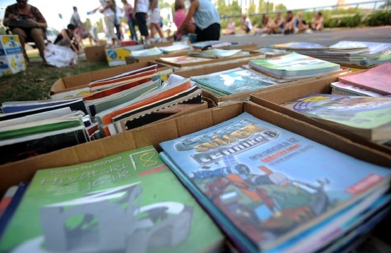 Nova školska godina stara dilema: Novi udžbenici sa starim gradivom ili stari udžbenici sa starim gradivom