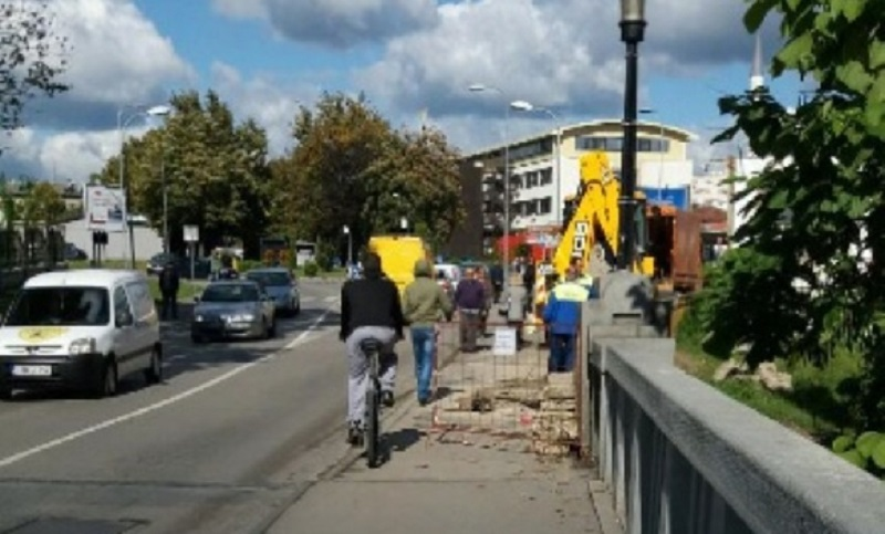 Banja Luka: Pukla Toplanina cijev za Gradskom mostu