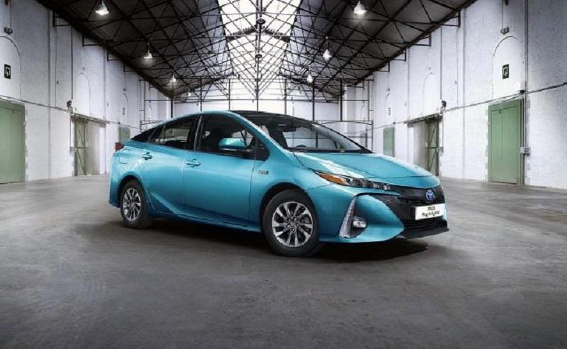 Tojota predstavila evropsku verziju Plug-in Prius-a