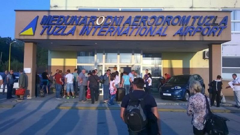 Tuzla: Pijane djevojke napale službenike na aerodromu