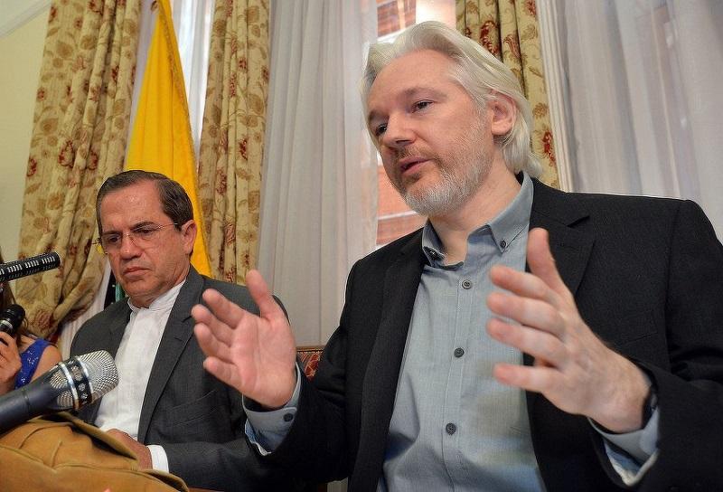 Ironija života: Julian Assange ostao bez interneta