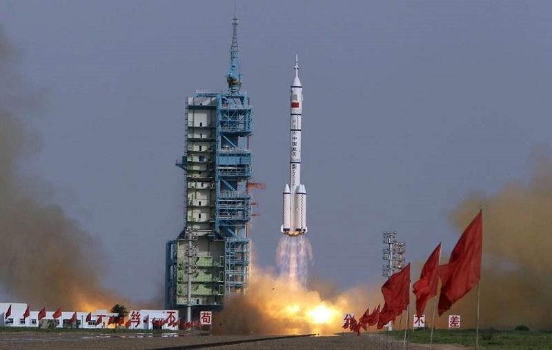 Kina sutra šalje dvočlanu posadu u svemir