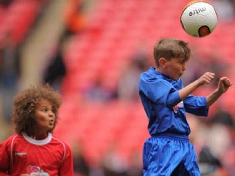 Udaranje fudbalske lopte glavom utiče na pamćenje