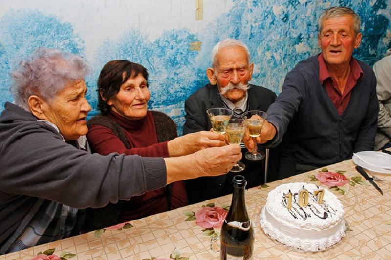 Banjalučanin Dragoljub Galić nazdravio 107. godini života!