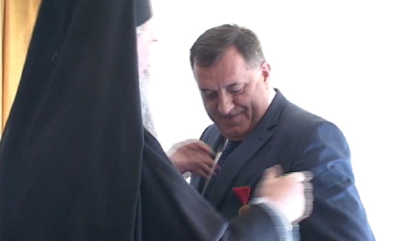 Dodik odlikovan ordenom Svetog Georgija