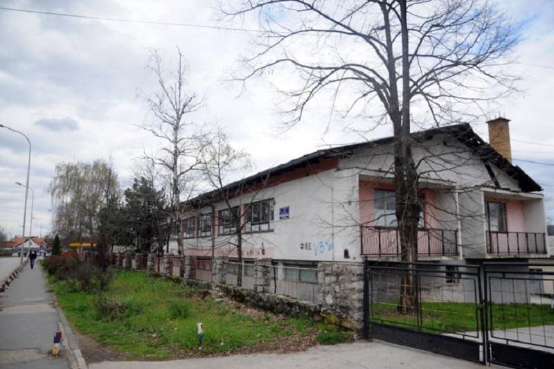 Bivša zgrada Građevinske škole prelazi u ruke grada, za školu se još traži trajno rješenje