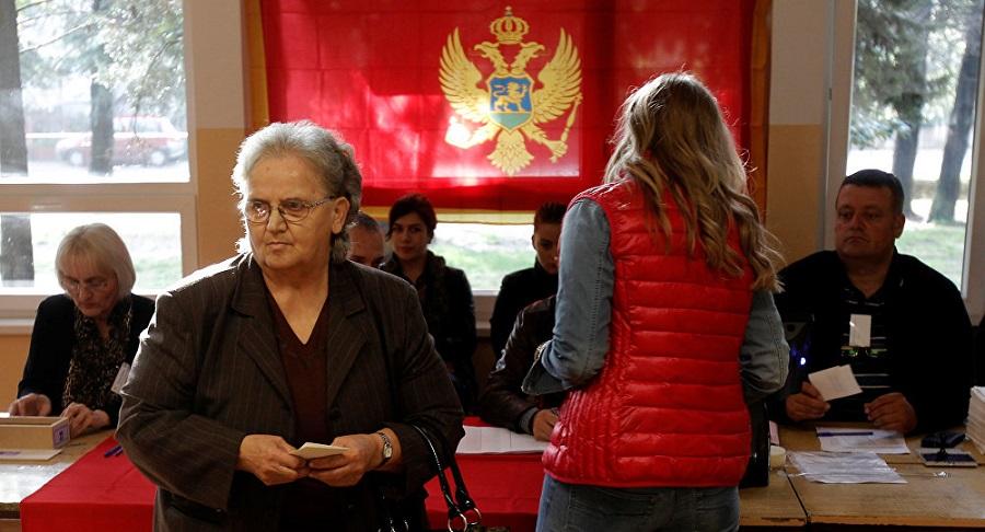 U Bijelom Polju biračko mjesto nalazi se u kafani, glasanje za šankom