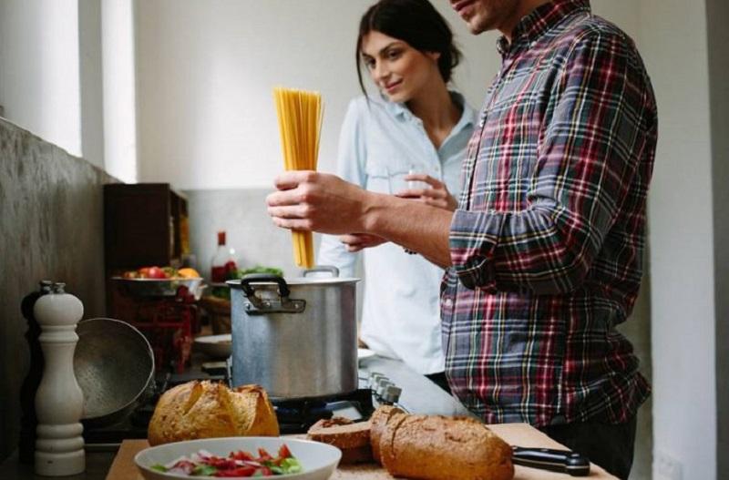 """Pismo """"papučara"""": ja sam partner svojoj ženi, a ne gost u kući koji samo jede, spava i kupa se"""