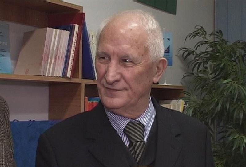 """Bećkoviću uručena nagrada """"Lazar Vučković"""" u Gračanici"""