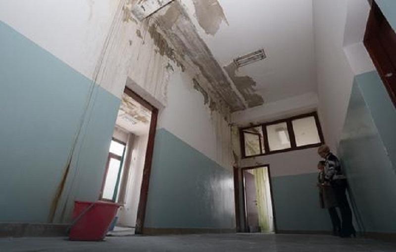 Tehnička škola u Banjaluci: Curi na sve strane