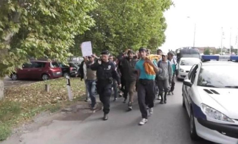Beograd: Migranti blokirali saobraćaj