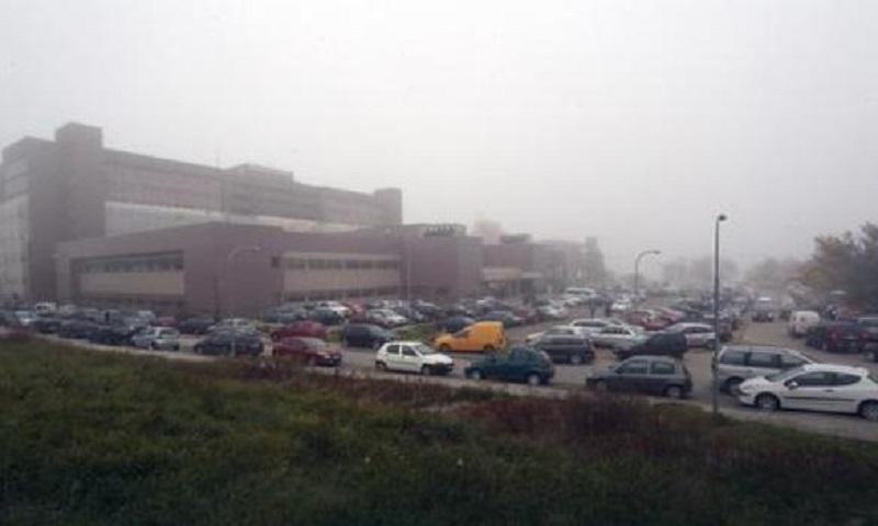 Svakodnevna borba za parking kod bolnice na Paprikovcu