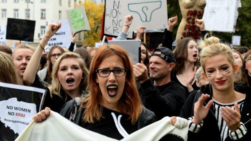 poljska-protest-abortusi-005