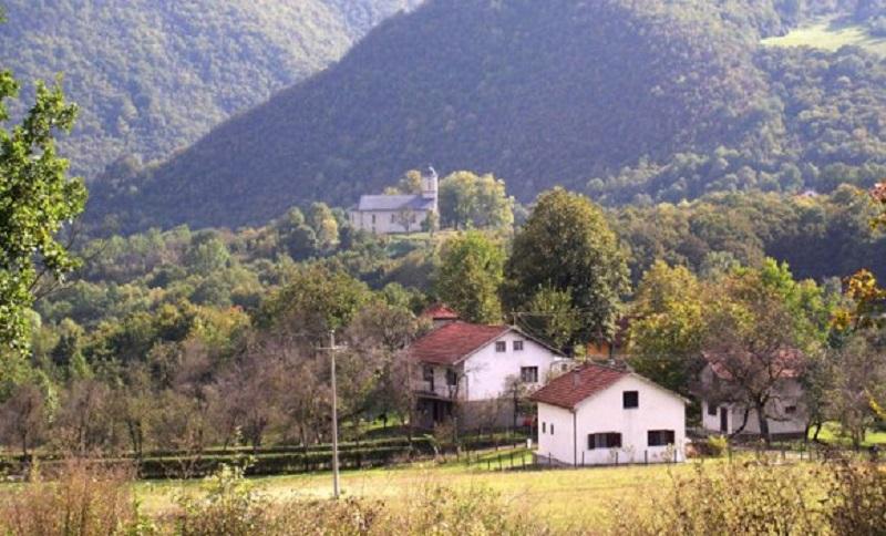 Seoska imanja u BiH se prodaju u bescijenje