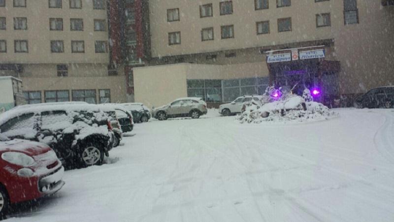 Snijeg zabijelio jutros na planinama u RS (FOTO)