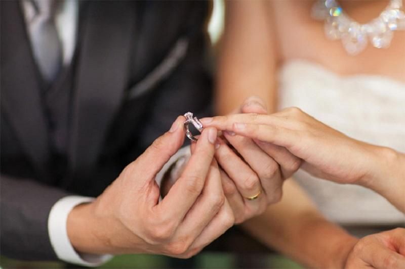 Originalna pozivnica: Mladenci uplatnicom pozvali svatove (FOTO)