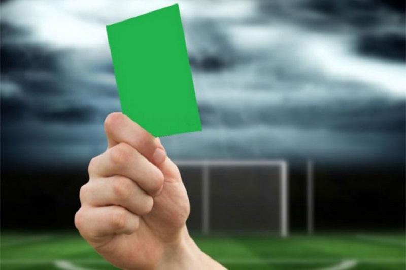 Pokazan prvi zeleni karton u fudbalu