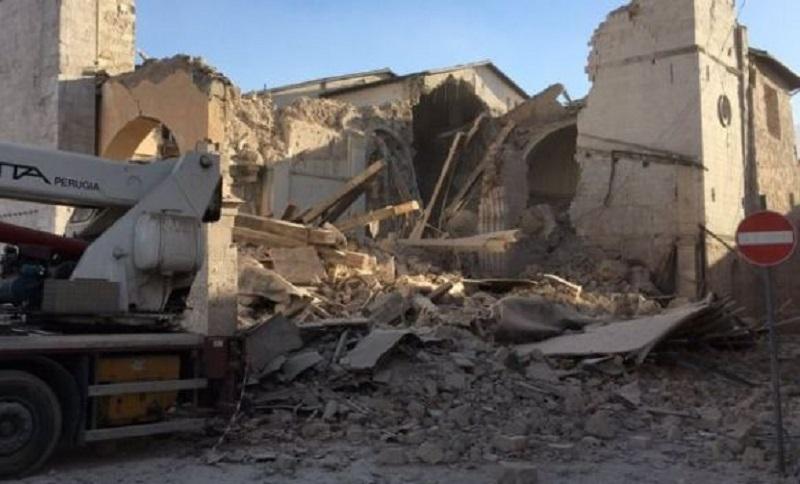 Snažan zemljotres u Italiji, spasioci traže preživjele