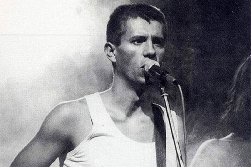 Prije 22 godine napustio nas je Milan Mladenović, frontmen grupe EKV