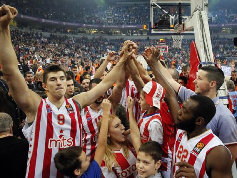 Trijumf Crvene zvezde nad CSKA na krilima 18.000 navijača