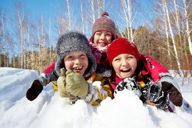 Hladno je i pada snijeg: Pustite djecu napolje!