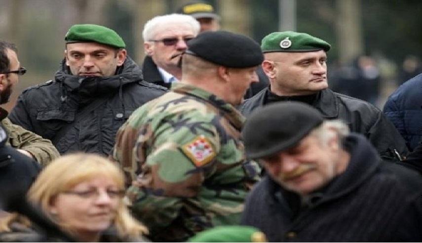 Protest u Zagrebu, oznake SS-a na kapama učesnika