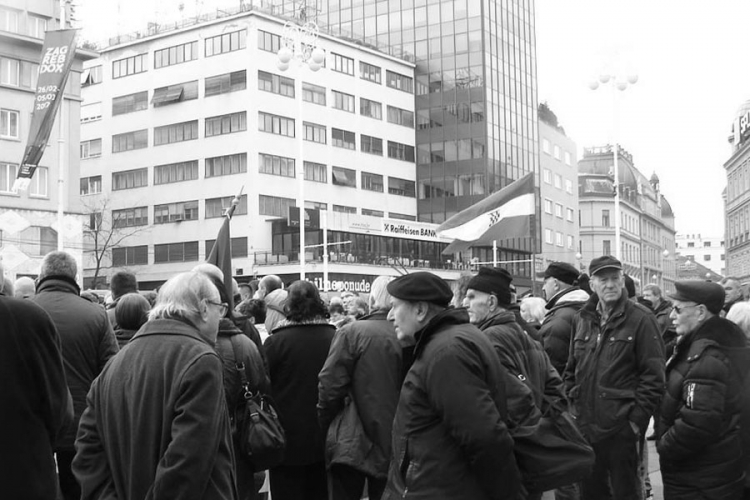 Antisrpski skup u centru Zagreba, vijorila se ustaška zastava