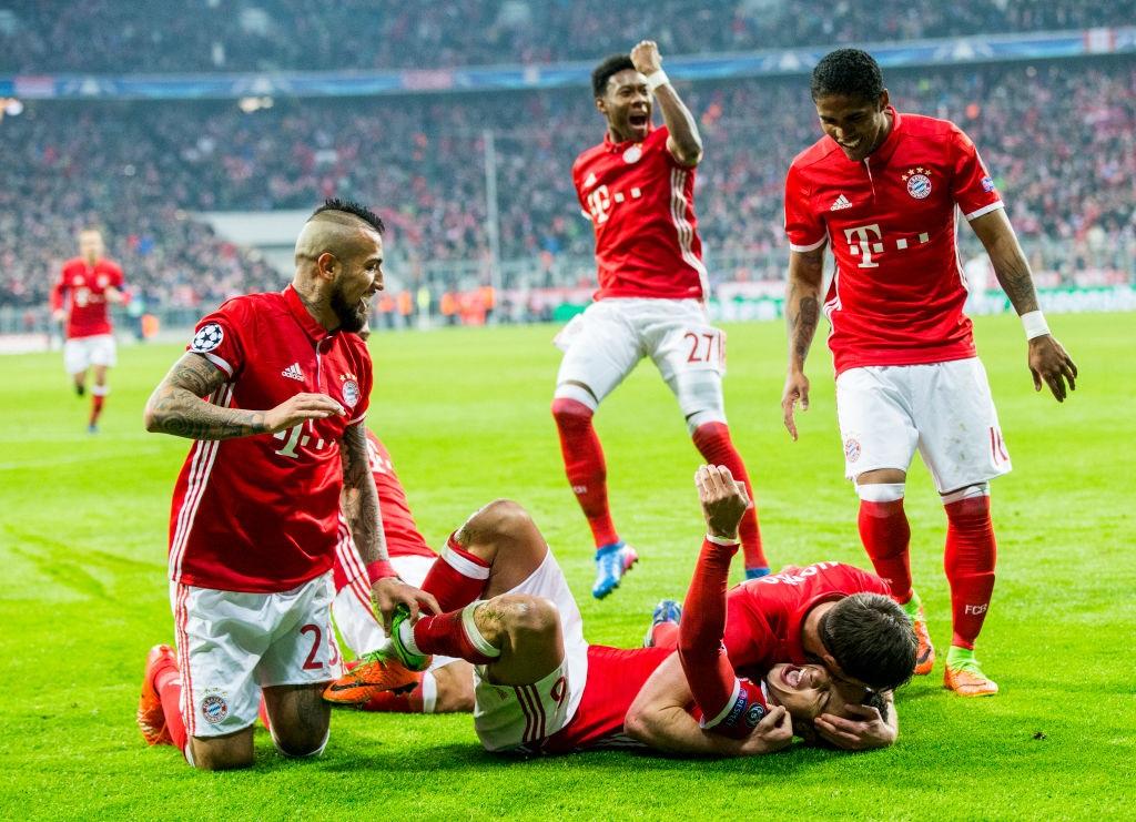 Bajern pobijedio Arsenal, Real okrenuo protiv Napolija