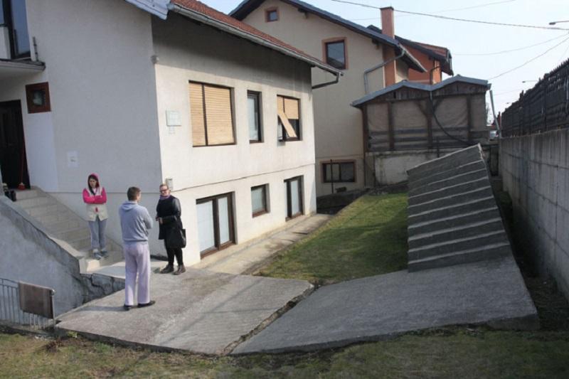 Banjaluka: Pucanje zidova čuju i gledaju godinama (FOTO)