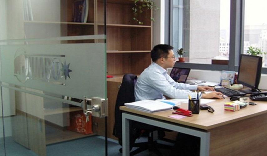 Kinez zbog prezimena nije mogao da otvori račun u banci u Srbiji