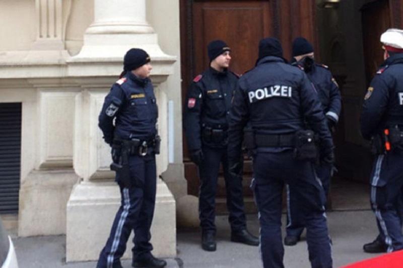 Srbin u Austriji nožem izbo tri djevojke i mladića  6 Dijeljenje