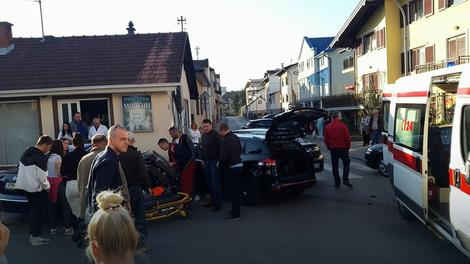 Nesreća u Banjaluci: Ženu koja je izlazila iz radnje udario automobil