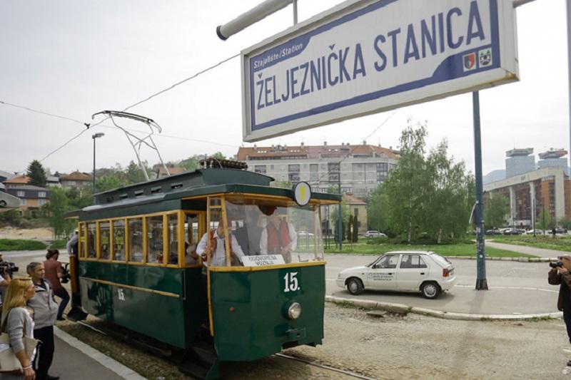 Sarajlije uživale u vožnji tramvajom iz 1895. godine