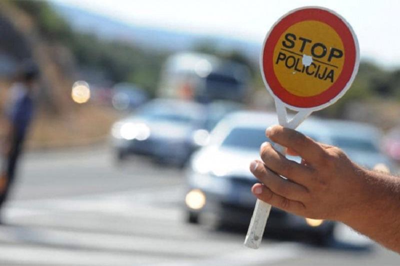 """U Stanarima uhapšen vozač, dao policajcima 10 KM """"da se počaste"""""""