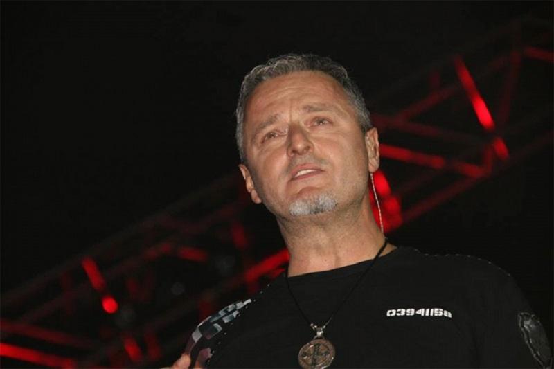 Vlada u Londonu uozorila na Thompsonov koncert u Mostaru