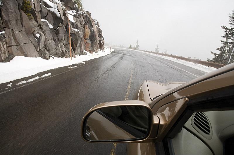 Od danas obavezna zimska oprema za vozila