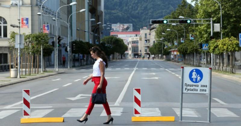 Škola rolanja za djecu, glavna ulica tokom vikenda pješačka zona