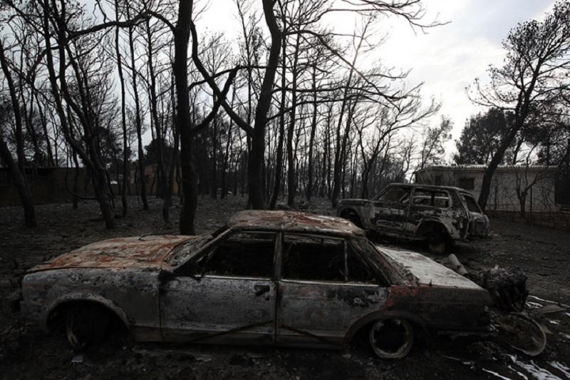 Najmanje 50 mrtvih u požarima u Grčkoj, broj stradalih stalno raste