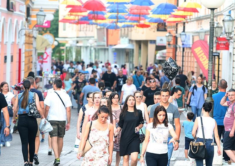 """Turisti iz regiona sve više dolaze u Banjaluku: """"Sve nam je jeftino i nadohvat ruke"""""""