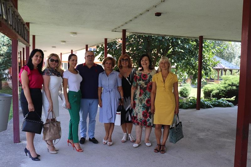 Aktiv žena SP u humanoj misiji: Donirali odjeću Gerijatrijskom centru u Banjaluci