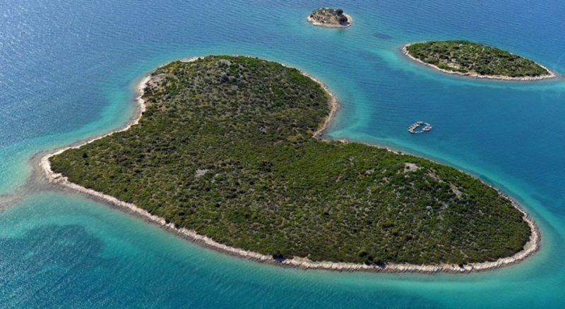Galešnjak, ostrvo ljubavi u našem komšiluku