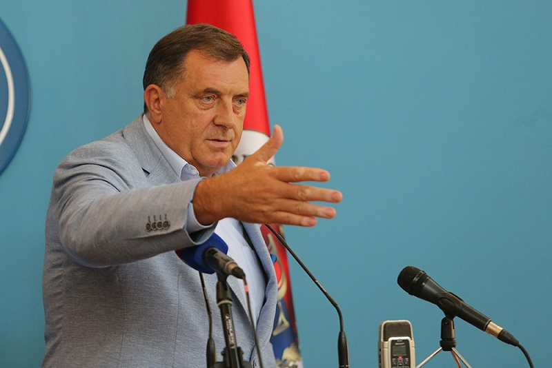 Dodik: Sramna i nedopustiva zabrana ulaska ruskom piscu u BiH