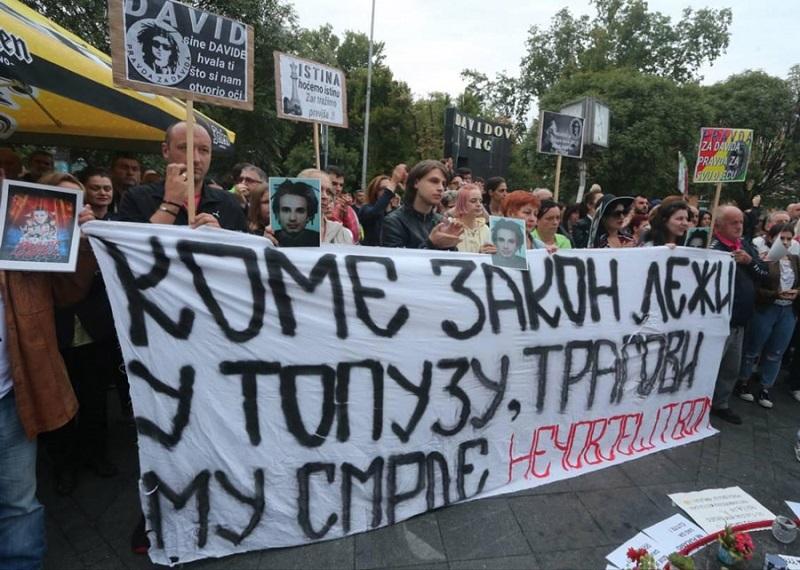 """""""Pravda za Davida"""" predstavila advokatski tim, među okupljene građane izašao i Nobilo"""